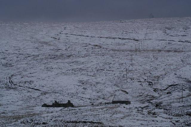 File:Vallafield, Baltasound - geograph.org.uk - 335679.jpg