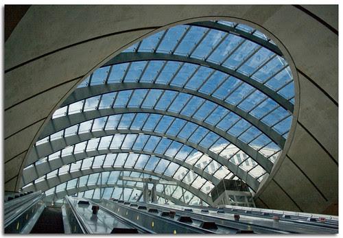 Canary Wharf Underground Station, London, United Kingdom, by jmhdezhdez