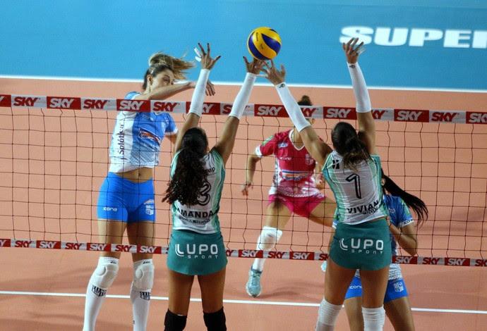 Jogando em BH, a equipe do Brasília superou o Minas e venceu por três sets a zero (Foto: Divulgação/MTC)