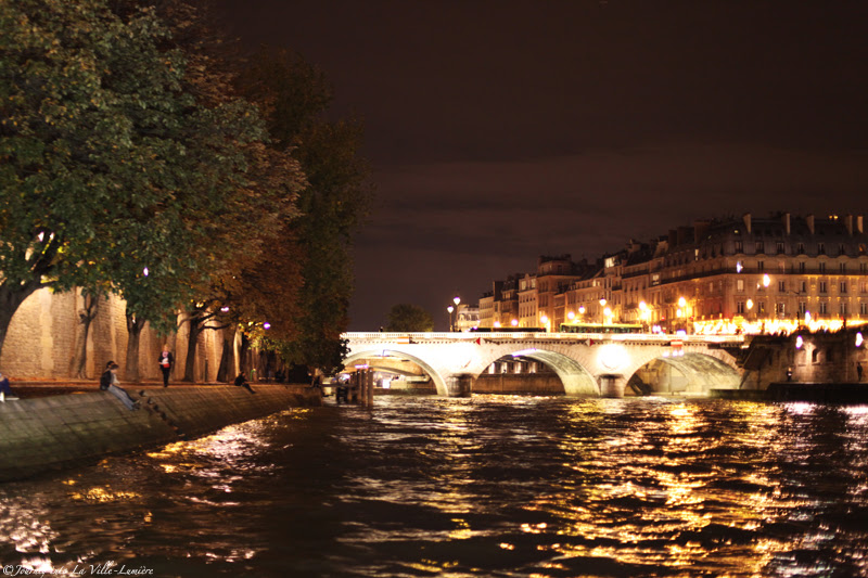 Boat trip on the Seine at night