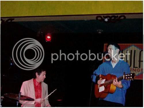 Jonathan Richman and Tommy Larkins @ Lula Lounge (Toronto, Ontario), November 8, 2004: photo by Mike Ligon
