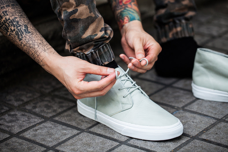364-vans-classics-2013-fall-aged-leather-pack-1
