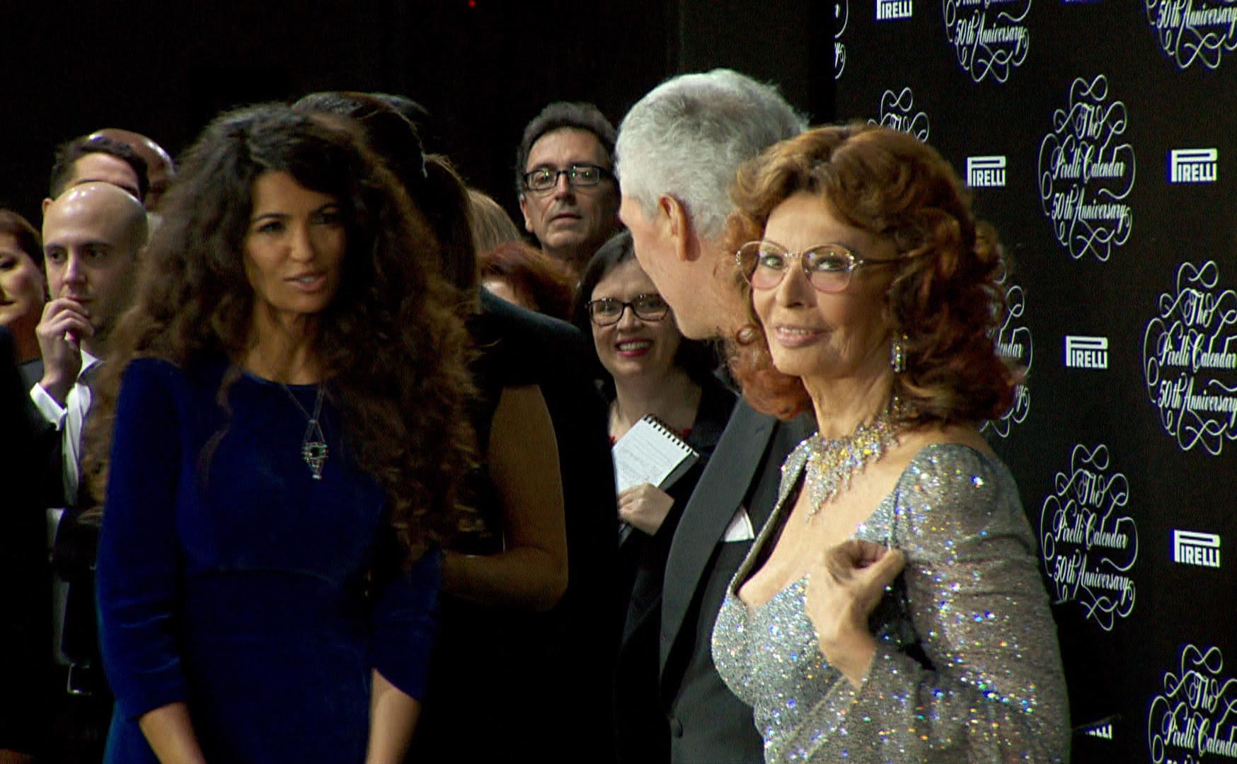 Sophia Loren no lançamento da 50ª edição do Calendário Pirelli, em Milão (Foto: GloboNews)