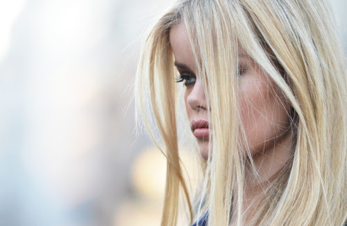 sevvven:  Frida Aasen is stunning.