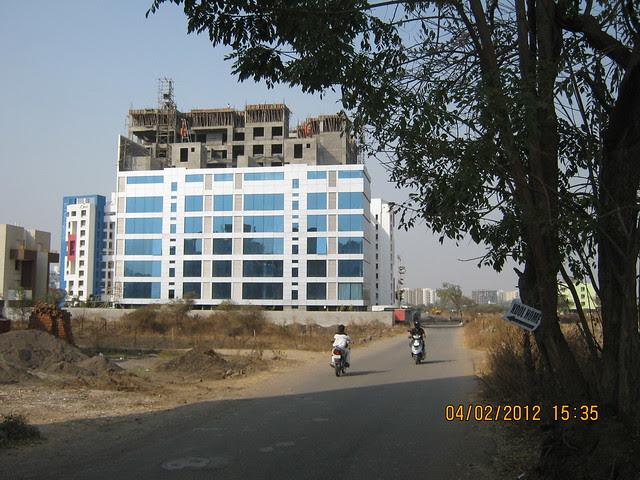 Way to KOOL HOMES - Visit Gini Viviana, 2 BHK 2.5 BHK 3 BHK Flats & 3 BHK Duplex, behind MITCON, opposite Balewadi Sports Complex, Balewadi, Pune 411 045
