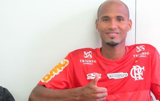 o cara da lateral (Janir Junior / Globoesporte.com)
