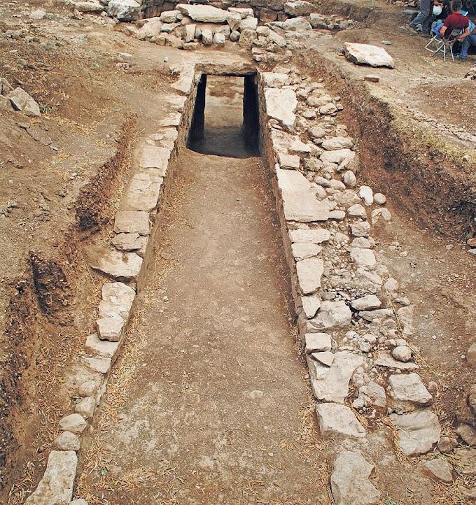 Ο θολωτός μυκηναϊκός τάφος της Άμφισσας -Συγκλονίζουν τα ευρήματα