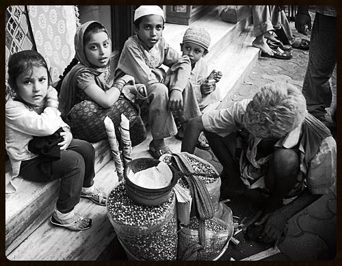 Bachpan Ke Din Bhi Kya Din The .. Seng Chana Khate Hum .. Ke Bachpan by firoze shakir photographerno1