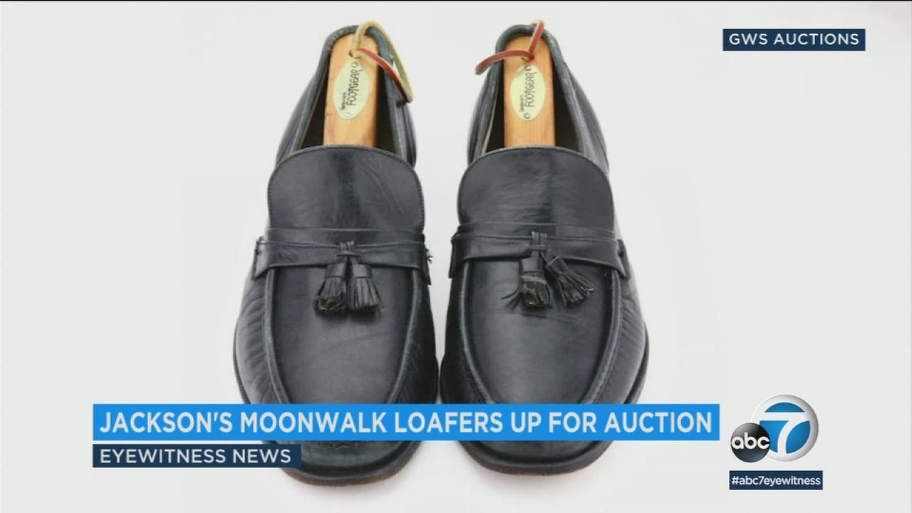 Michael Jackson S First Moonwalk Shoes Up For Auction Abc13 Com