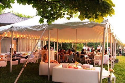 Backyard Wedding Receptions On A Budget   koelewedding.com