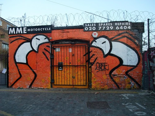 london street art: stik