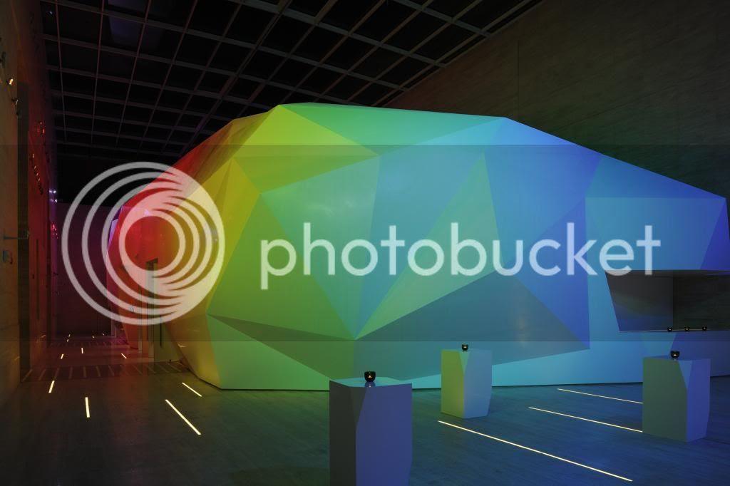http://i55.photobucket.com/albums/g127/zernansuarez/convention%20center%20dubai/_D3X1334.jpg