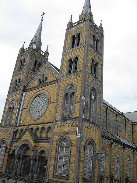 File:Sint-Petrus-en-Pauluskathedraal.jpg