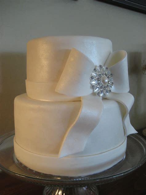 Small simple wedding cake   idea in 2017   Bella wedding