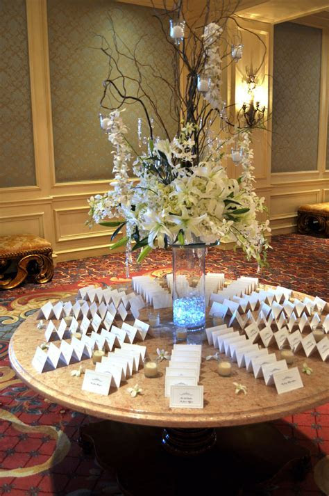 Place Card Table Arrangements