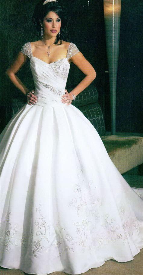 18748 best Popular Wedding Dress images on Pinterest