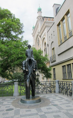 Jaroslav Róna : Kafka in Prague
