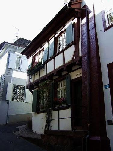 Rheinsprung[8]
