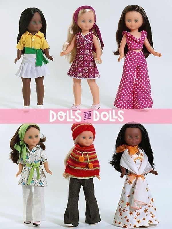 Foto tres muñecas Nancys con los vestidos creados por DollsAndDolls