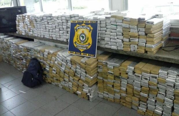 Resultado de imagem para fotos de toneladas de drogas em goias