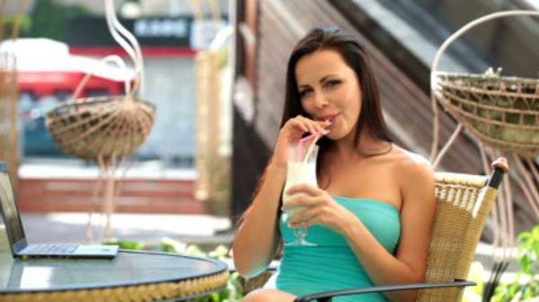 drink Drink a base de sêmen humano é sucesso nas baladas