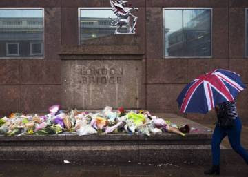 May contraataca y extrema el discurso antiterrorista al final de la campaña