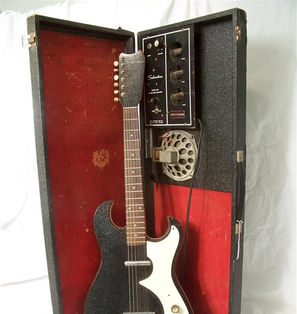 The Guitar Hunter: Silvertone 1448 Amp-in-Case Guitar (Sears) on