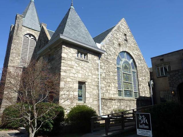P1080492-2011-03-12-Inman-Park-Methodist-Northwest-Facade