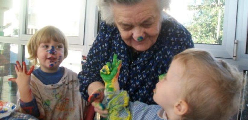 Risultati immagini per piacenza asilo anziani bambini