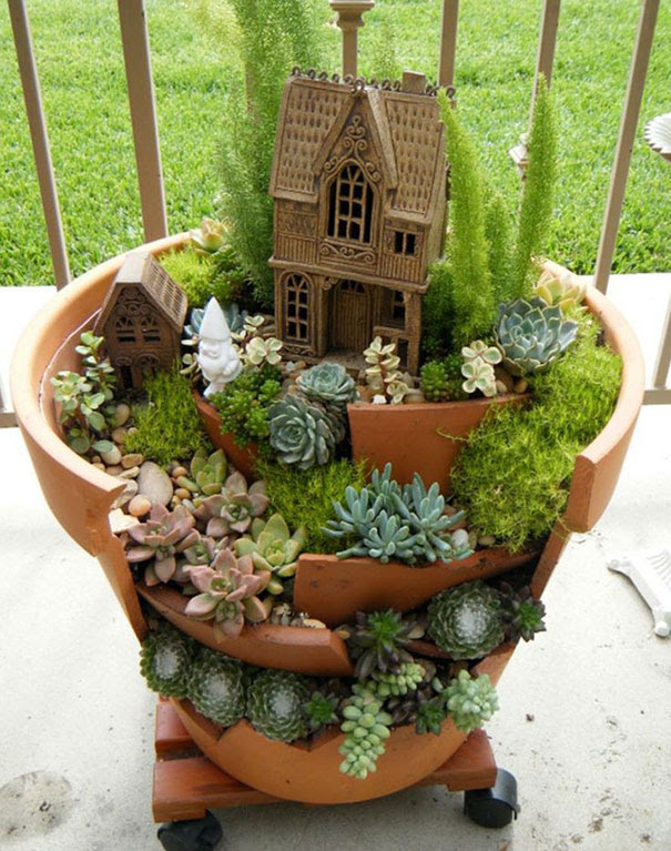 broken-pot-fairy-garden-13