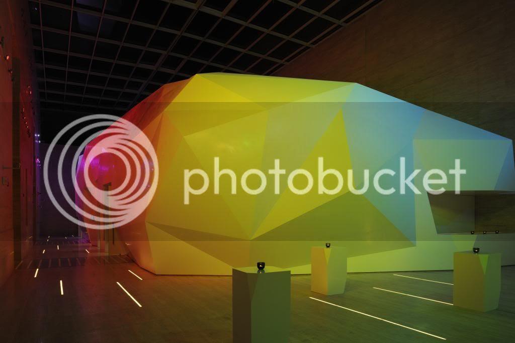 http://i55.photobucket.com/albums/g127/zernansuarez/convention%20center%20dubai/_D3X1325.jpg