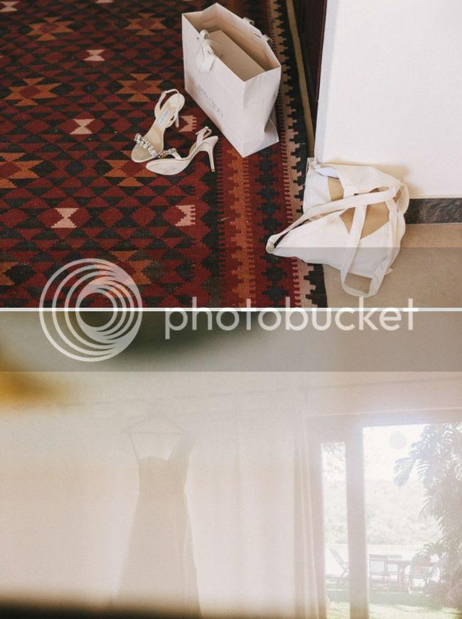 http://i892.photobucket.com/albums/ac125/lovemademedoit/welovepictures%20blog/BushWedding_Malelane_027.jpg?t=1355997492