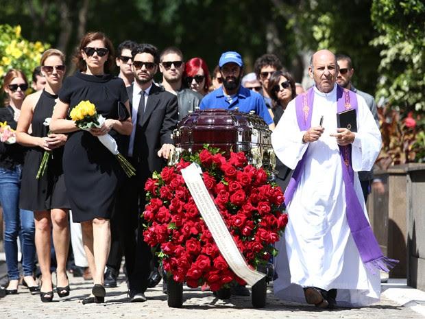 enterro de José Alfredo  (Foto: Raphael Dias / TV Globo)