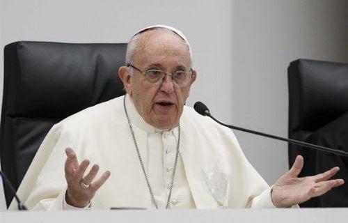 """Prostituição """"não é fazer amor"""", diz Francisco. """"É torturar uma mulher"""""""