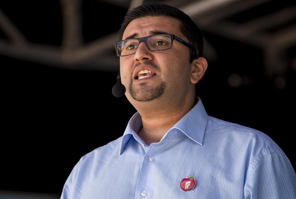 NETTHETSET: Mazyar Keshvari, tredjekandidat for Frp i Oslo, blir kalt «Uncle Tom» av en Ap-politiker på Twitter.  Foto: Erlend Aas/NTB Scanpix