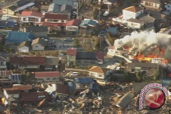 FOTO: Kengerian Gempa dan Tsunami Jepang