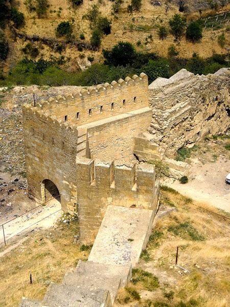 Вид на крепость Нарын-Кала, Дербент / Фото из России