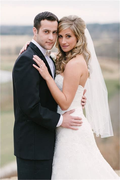 Bride Groom:pose   Wedding Photo Ideas :)   Pinterest