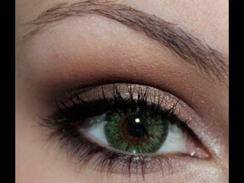 10 Best Eyeshadows for Blue Eyes - Flattering Makeup Colors For Blue Eyes