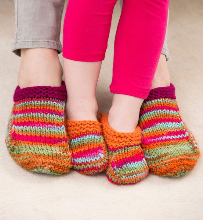 Free knitting pattern for Mom and Me Slippers