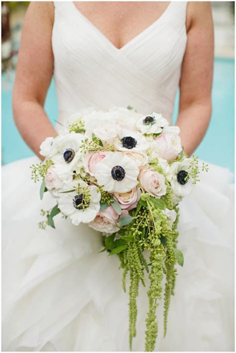 2013 Trend Setting Wedding Bouquets By The Chapel