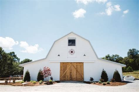 Overlook Barn Wedding Venue in the Mountains of NC l
