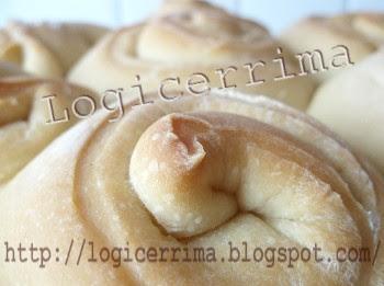 [ Rosetta di pane casalingo ]