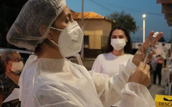 Secretária diz que população acima de 30 anos poderá se vacinar nos próximos dias em Crato
