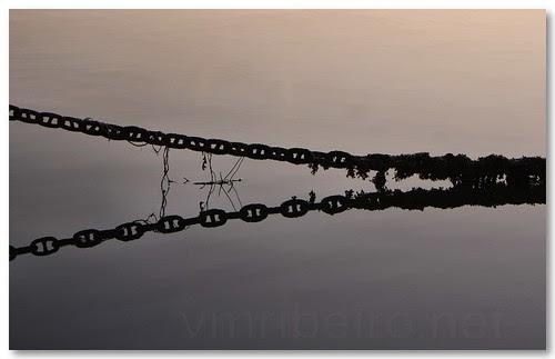 Chains by VRfoto