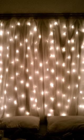 AD-Amazingly-Pretty-Ways-To-Use-String-Lights-15