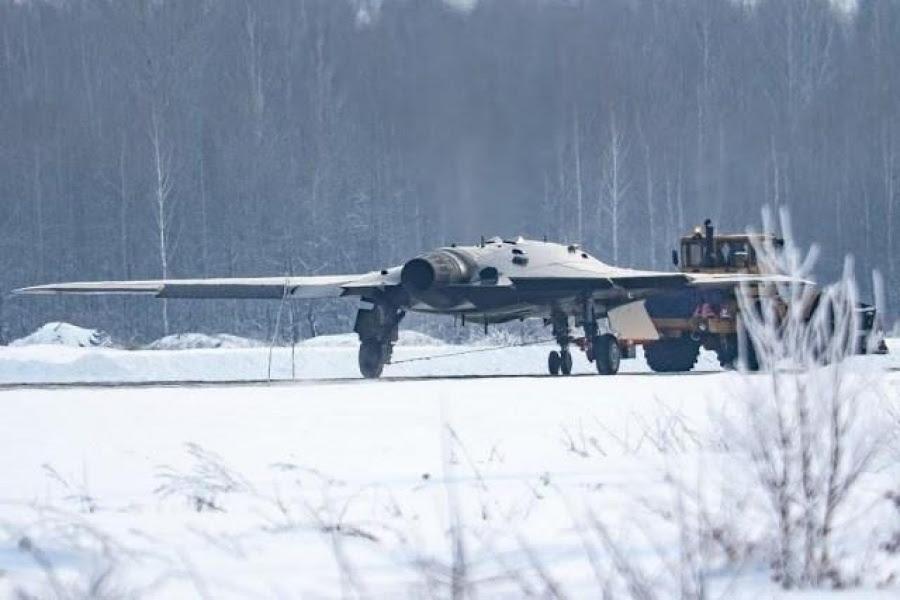 Εντυπωσιάζει το ρωσικό drone Sukhoi S 70 Okhotnik