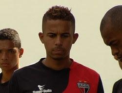 Recife, volante do Atlético-GO (Foto: Reprodução/TV Anhanguera)