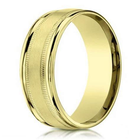 Benchmark Men's 18K Gold Wedding Band with Milgrain   4mm