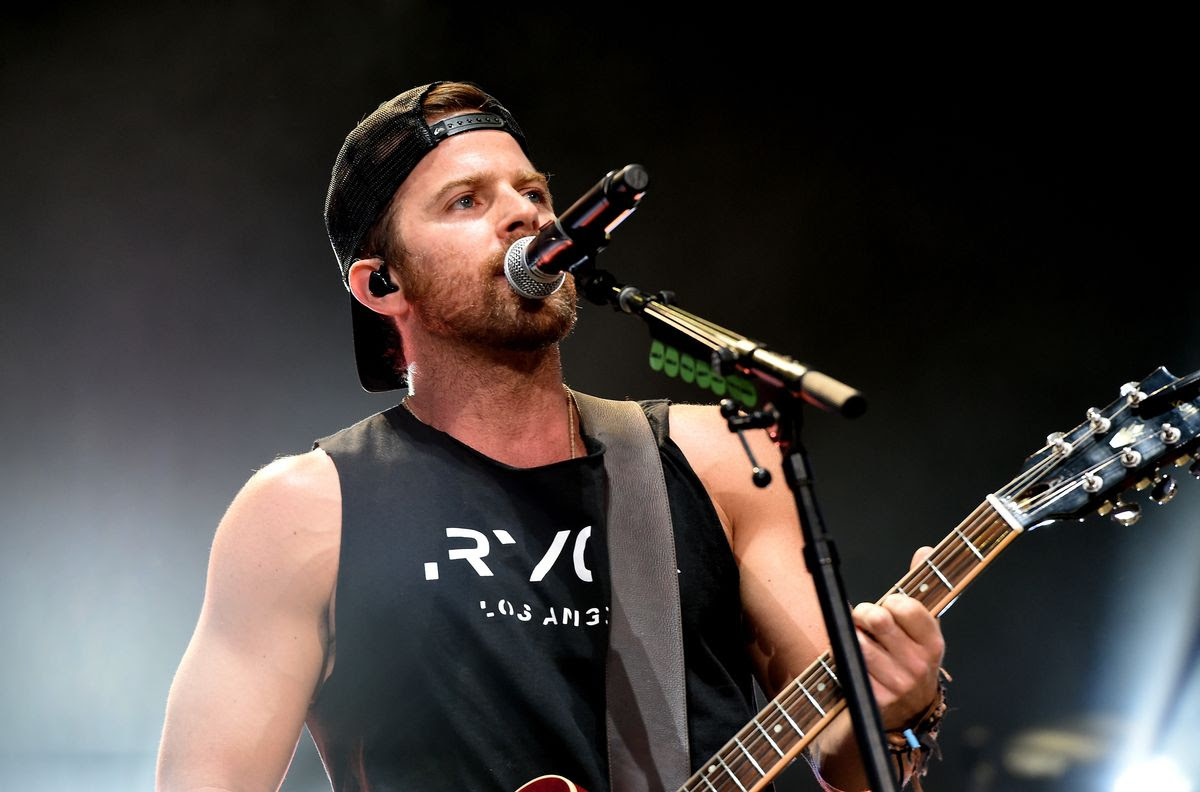 INDIO, CA - APRIL 29:  Musician Kip Moore performs on the Toyota Mane Stage during day 2 of 2017 Stagecoach California's Country Music Festival at the Empire Polo Club on April 29, 2017 in Indio, California.  (Photo by Kevin Winter/Getty Images for Stagecoach)